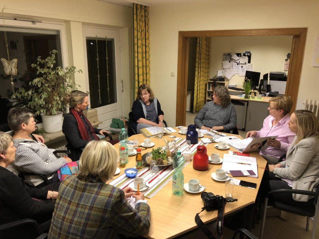 Die Frauen Union zu Besuch im Familien Service Büro