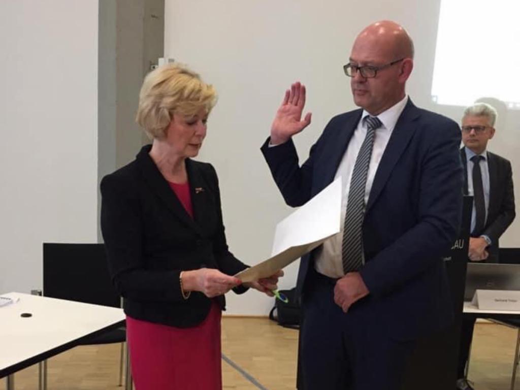 Landkreis Grafschaft Bentheim – Uwe Fietzek als Landrat vereidigt